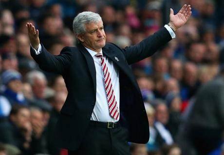 Hughes: Stoke Layak Tersingkir