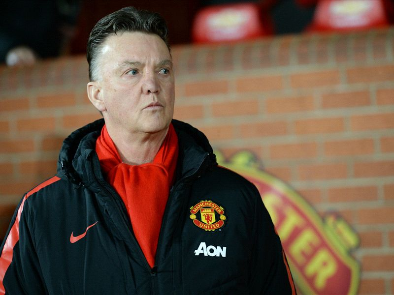 Van Gaal needs to be more like Mourinho if he is to return Manchester United to football's elite