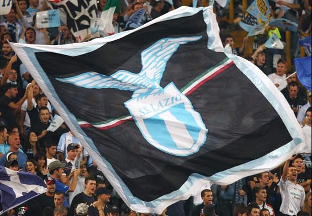 Caos a Roma dopo gli incidenti della scorsa notte, la Curva Nord intona cori antisemiti durante Lazio-Tottenham