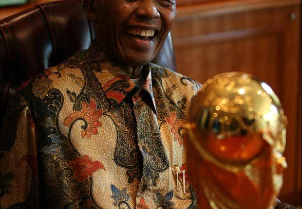Nelson Mandela Under 'Extreme Pressure' From FIFA To Attend World Cup Final
