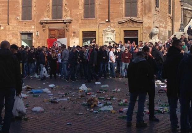 اشتباكات بين جماهير فينورد والشرطة الإيطالية قبل مباراة روما -