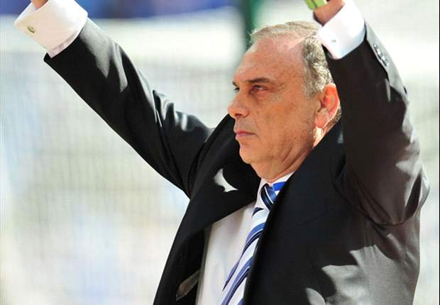 Avram Grant resigns as Portsmouth manager