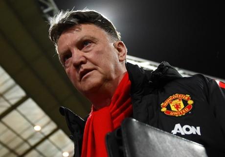 Schmeichel defends 'boring' Man Utd
