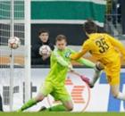 Portiere Augsburg in goal al 94'