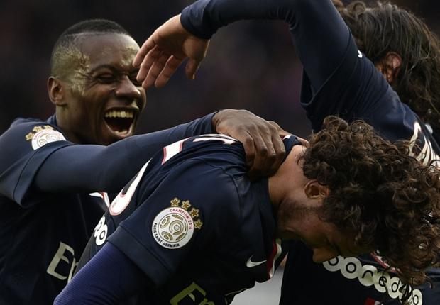 PSG 3-1 Toulouse : Paris se hisse en tête