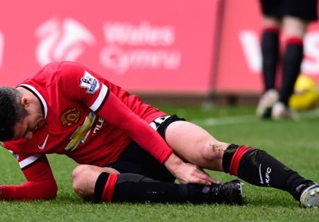 Van Persie in fresh injury scare