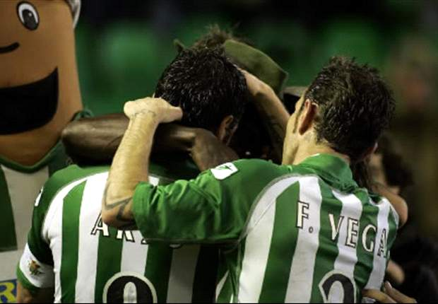 Betis 2-1 Valencia: Visitors Stunned As Castro Nets Twice In Injury-Time To Hand Pepe Mel's Side First Win In 11