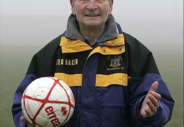 'World's Oldest' Soccer Coach Ivor Powell Retires