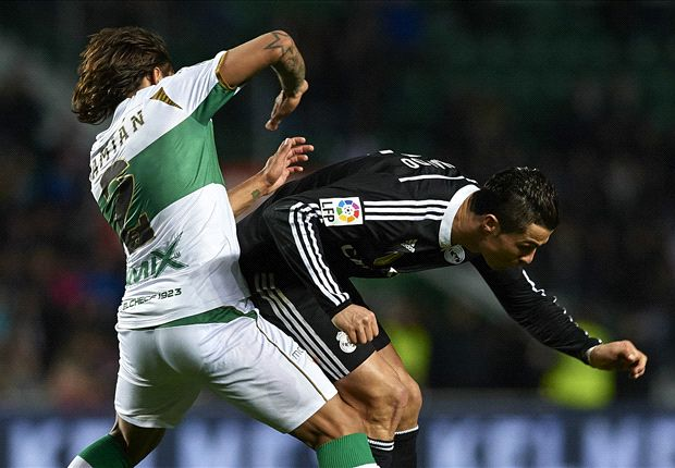 Elche 0-2 Real Madrid: Benzema & Ronaldo fire Blancos four points clear of Barcelona