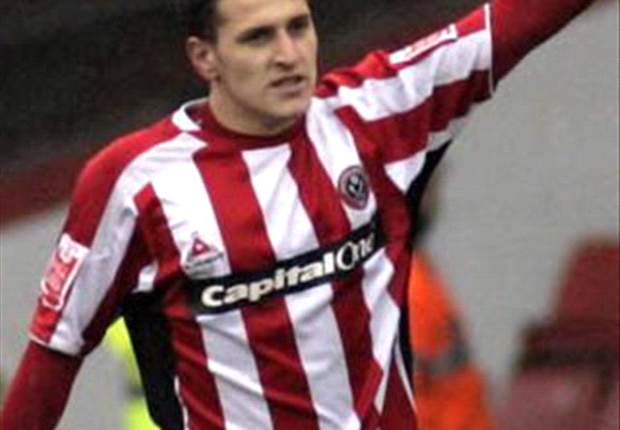 Nottingham Forest sign Southampton striker Billy Sharp on loan