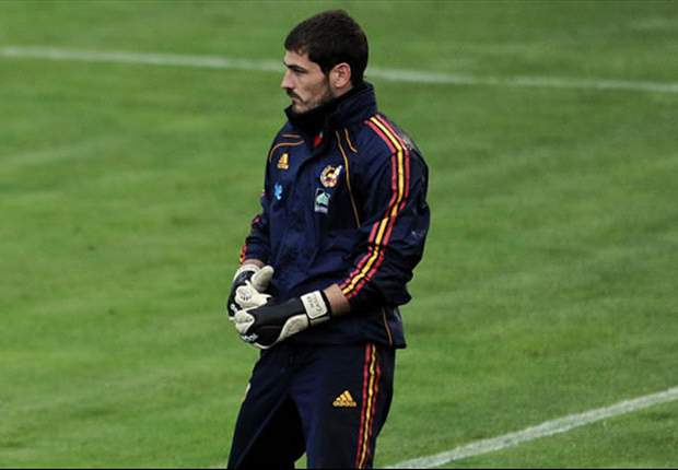 World Cup 2010: Iker Casillas hails 'phenomenal' Spain defensive display after Portugal victory