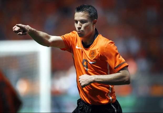 World Cup 2010 Team Line Ups Netherlands - Japan: Wesley Sneijder & Robin Van Persie Start, Arjen Robben Benched