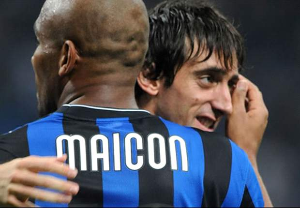 Real Madrid Target Maicon To Follow Mario Balotelli Out Of Inter's Door - Report