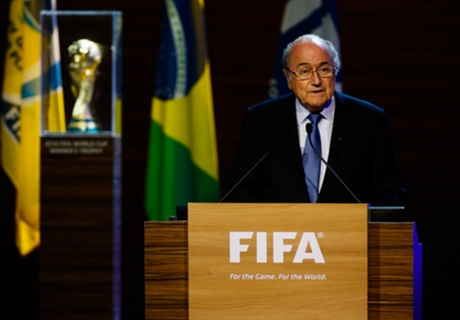 Blatter quer final de 2022 em 18 dez