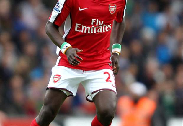 Emmanuel Eboue: Arsenal need to play without fear against Manchester United